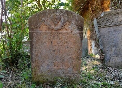 Reunion-gravestone